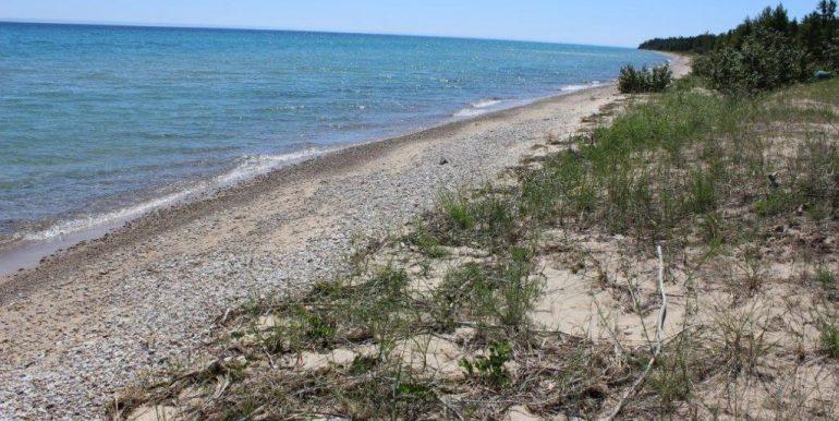 Beaver-Island-Michigan-49782-McElwain-Sand-Bay-Home (17)