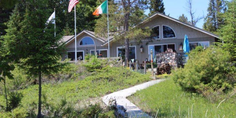 Beaver-Island-Michigan-49782-McElwain-Sand-Bay-Home (19)
