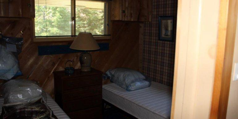 Beaver-Island-Michigan-49782-McElwain-Sand-Bay-Home (22)