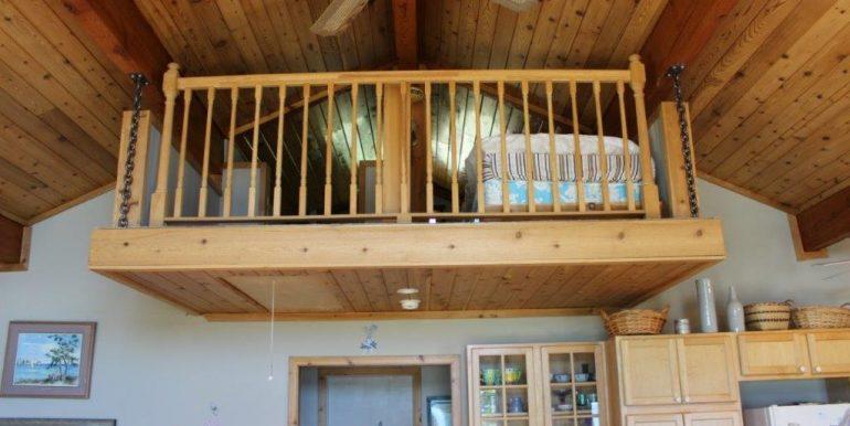 Beaver-Island-Michigan-49782-McElwain-Sand-Bay-Home (25)