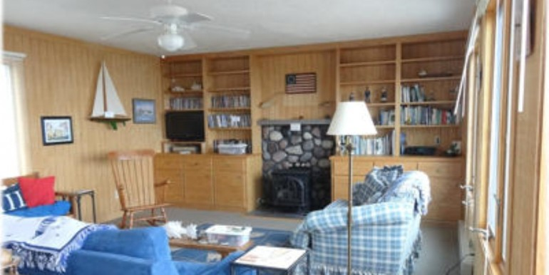 baybreeze-2_living_room