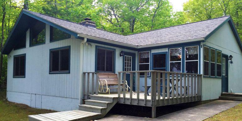 beaver-island-cable-bay-cottage-img_0474