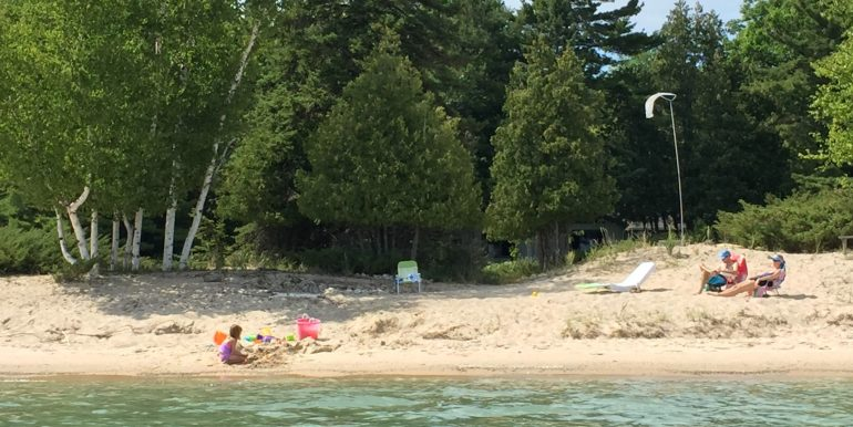 beaver-island-cable-bay-cottage-img_0672