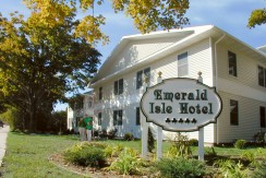 beaver-island-realty-beaver-island-hotel-for-sale