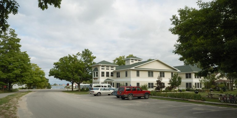 beaver-island-realty-beaver-island-hotel-for-sale-donegal-bay-road