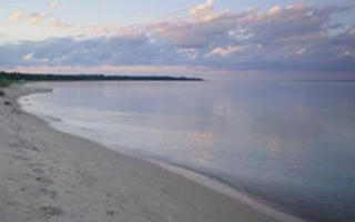 100′ on Beautiful Big Sand Bay
