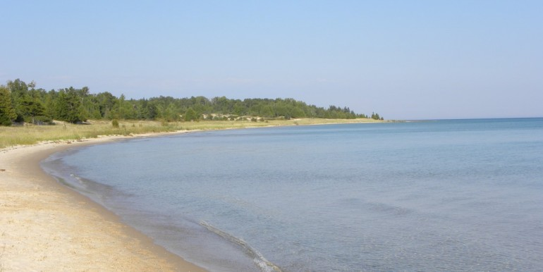 cable-bay-cabin-beach-1