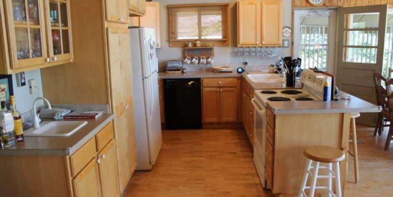 Beaver-Island-Michigan-49782-McElwain-Sand-Bay-Home (10)