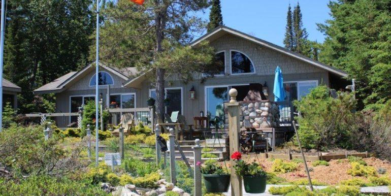 Beaver-Island-Michigan-49782-McElwain-Sand-Bay-Home (15)