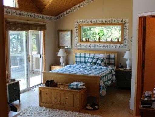 Beaver-Island-Michigan-49782-McElwain-Sand-Bay-Home (2)