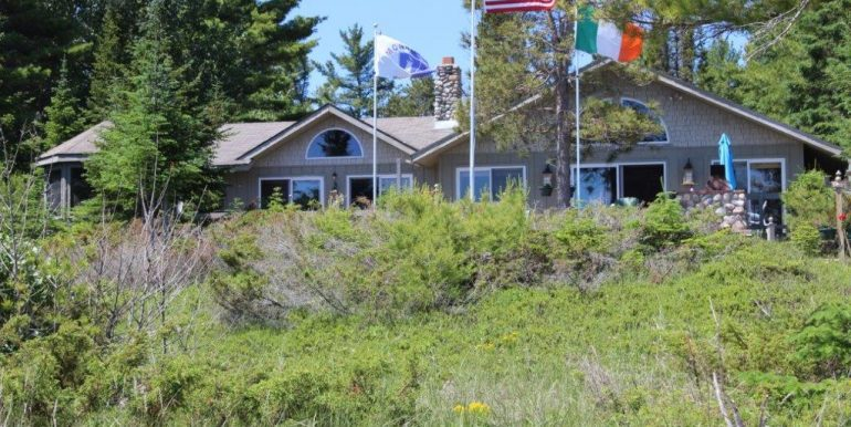 Beaver-Island-Michigan-49782-McElwain-Sand-Bay-Home (20)