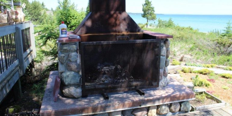 Beaver-Island-Michigan-49782-McElwain-Sand-Bay-Home (21)
