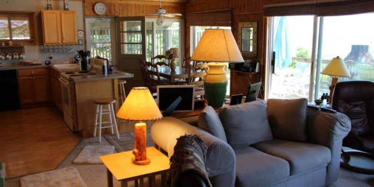 Beaver-Island-Michigan-49782-McElwain-Sand-Bay-Home (9)