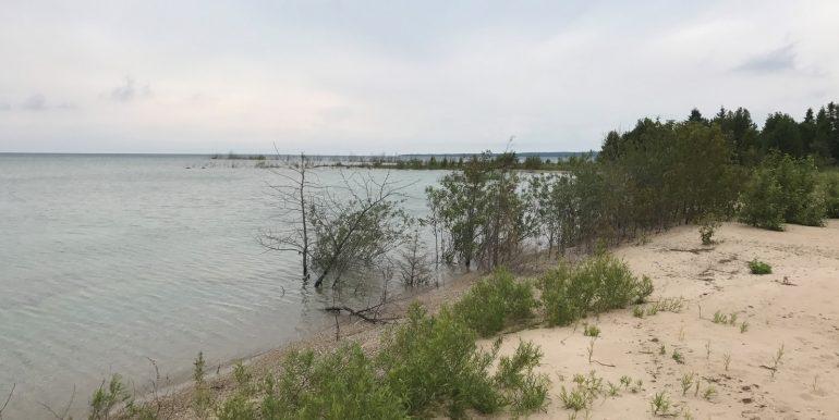 Beaver-Island-Western-Shores-Lakefront-IMG_6637
