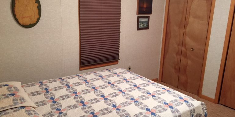 cables-bay-cabin-beaver-island-rental-cottabe-br-2